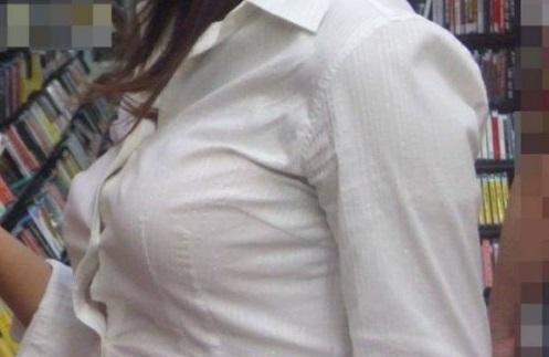 JKの着衣巨乳おっぱい素人エロ画像01