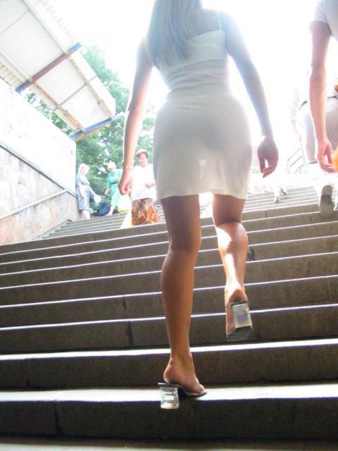 ミニスカやピタパンのお尻がエロ過ぎる後ろ姿の街撮り盗撮エロ画像03