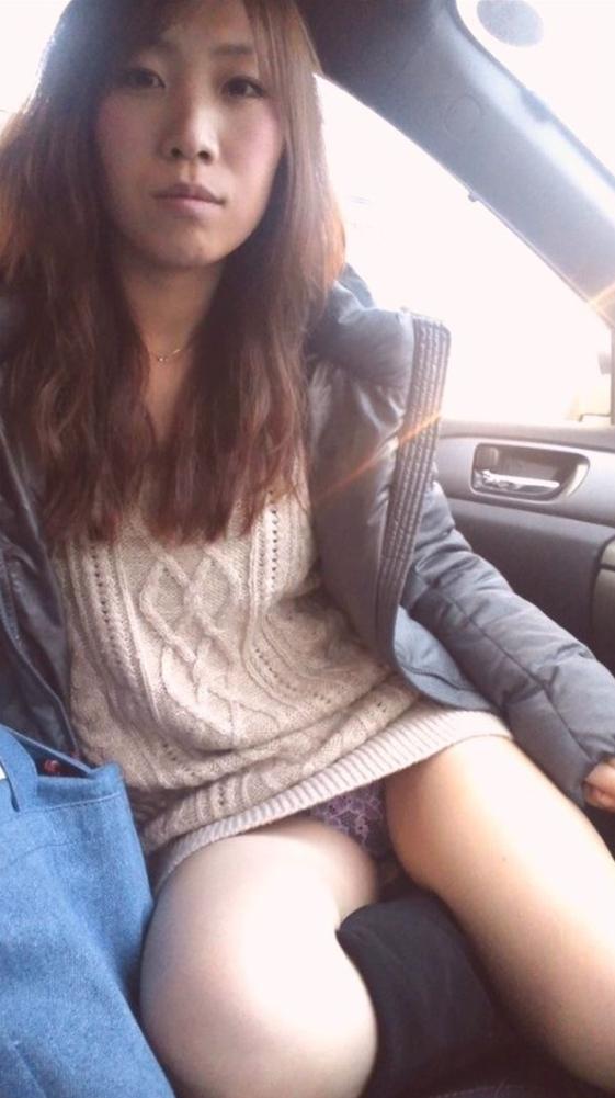 車内のエロ行為素人エロ画像18