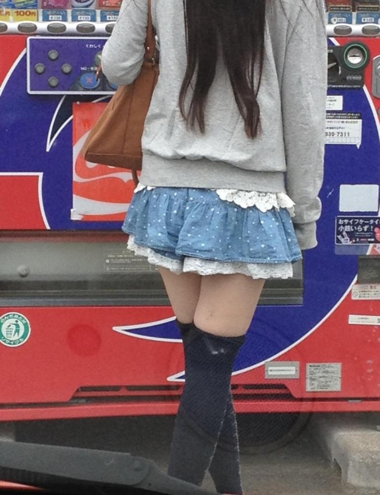 ミニスカニーハイ素人エロ画像15