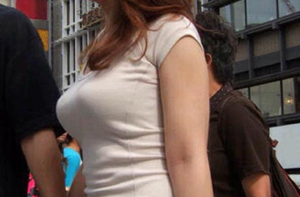 【素人エロ画像】ボインボインに発育したですねーw着衣巨乳おっぱい街撮りw