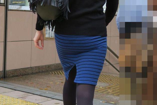 タイトスカートお尻1