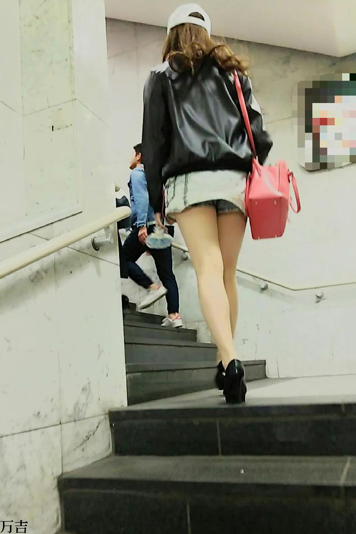 ショートパンツお尻09