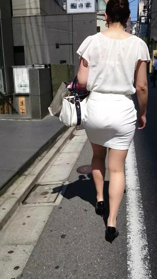 透けブラ女子の素人エロ画像18