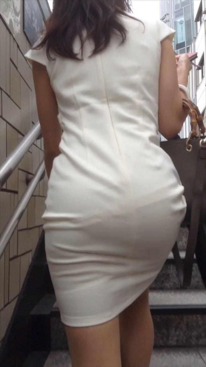 タイトスカートのお尻の素人エロ画像20