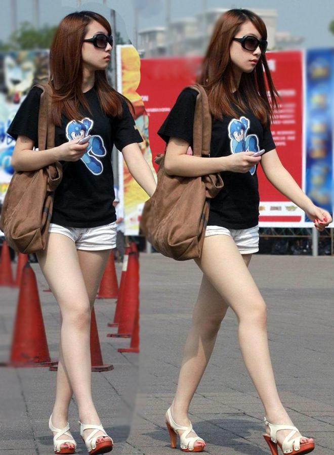 ショートパンツ女子の街撮り素人エロ画像23