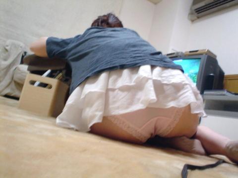 身内のセクシーな瞬間を家庭内盗撮-2
