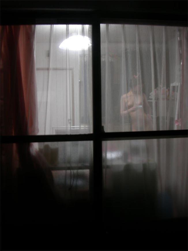 部屋やお風呂を覗かれている民家盗撮-032
