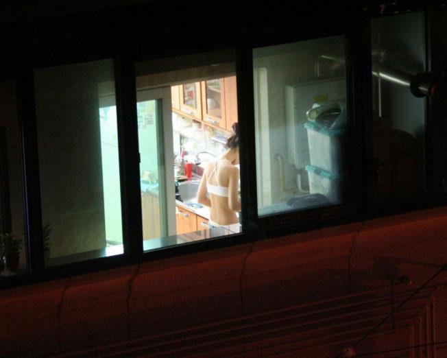 部屋やお風呂を覗かれている民家盗撮-027