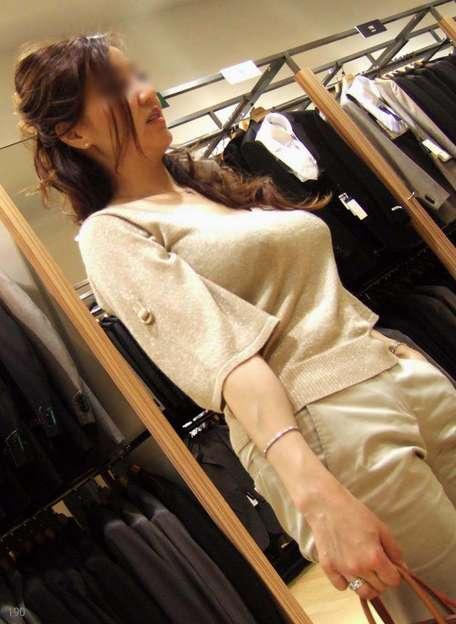 デカすぎ着衣巨乳おっぱいを街撮り-033
