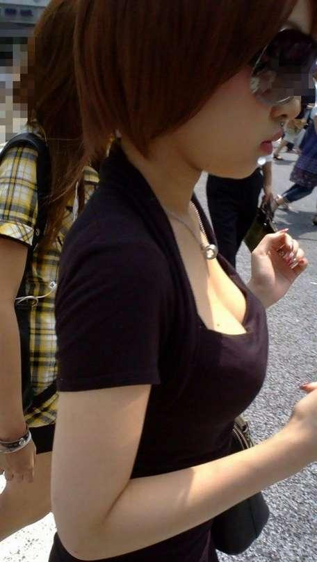 デカすぎ着衣巨乳おっぱいを街撮り-015