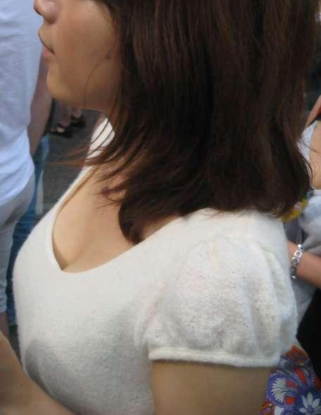 デカすぎ着衣巨乳おっぱいを街撮り-010