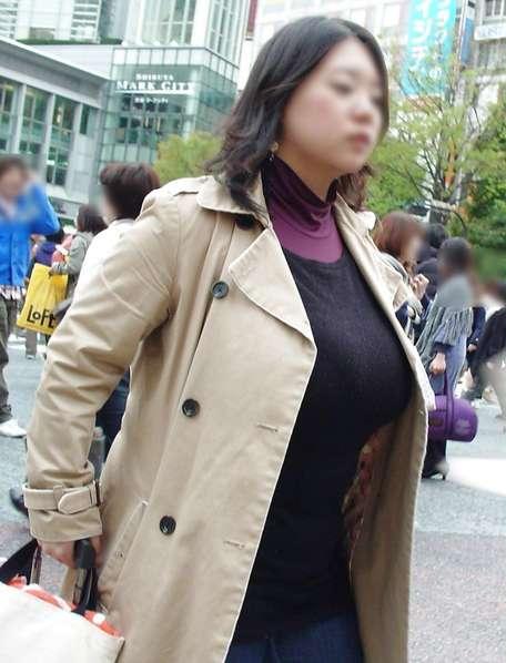デカすぎ着衣巨乳おっぱいを街撮り-003