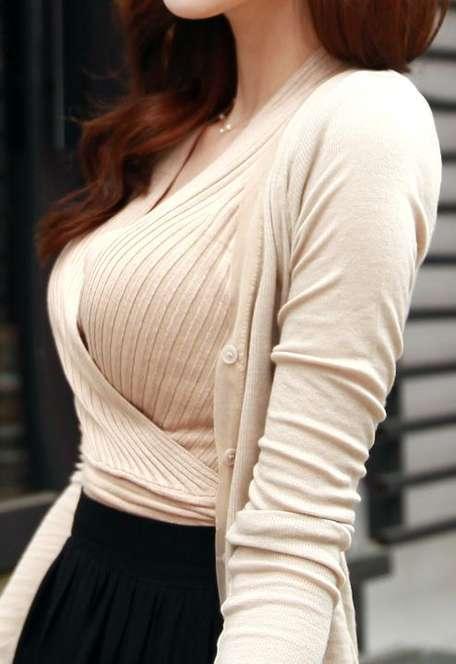 デカすぎ着衣巨乳おっぱいを街撮り-007