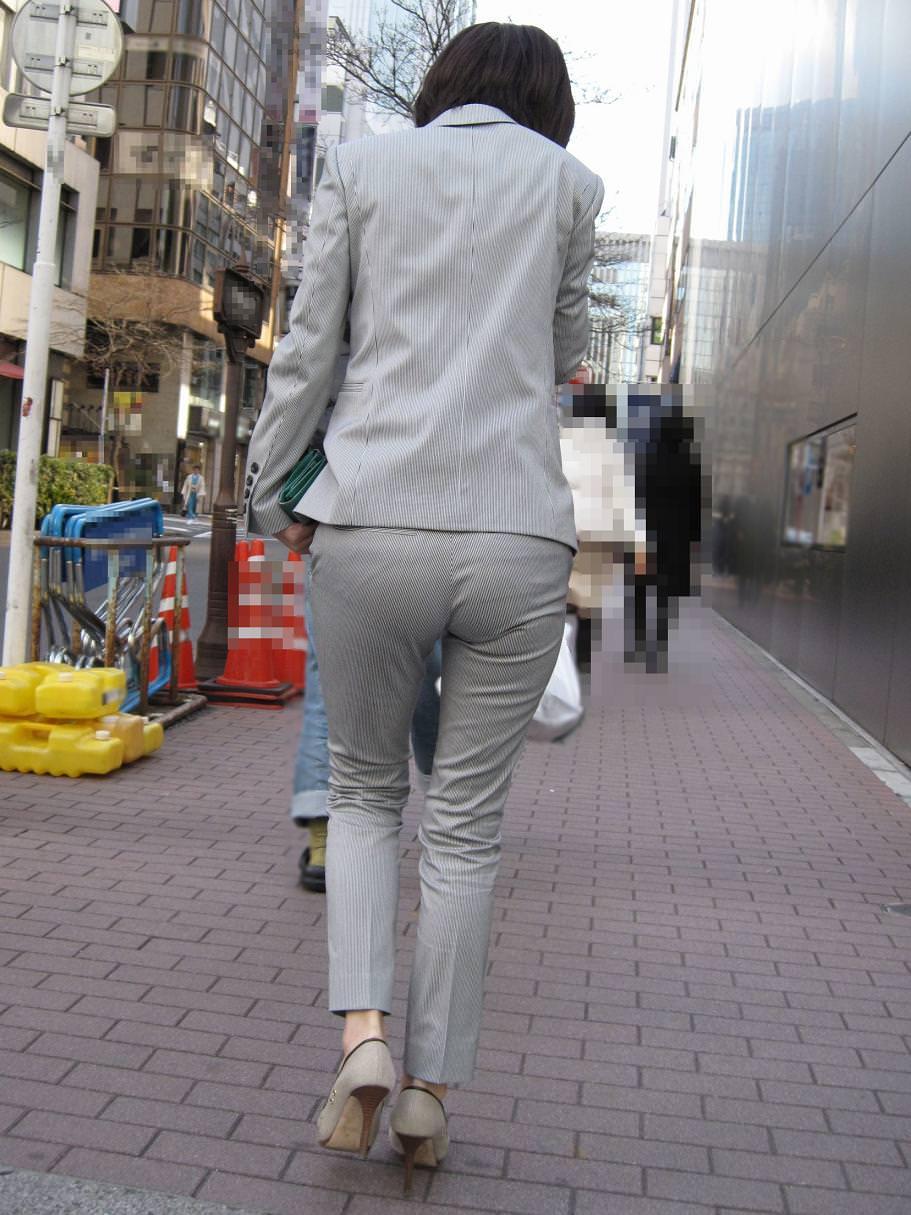 パンツスーツのエッチなお尻を街撮り・盗撮009