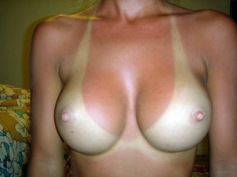 日焼け跡がエッチな女子の裸体26