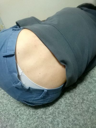 卑猥感がすごい腰パンチラやお尻のワレメ021
