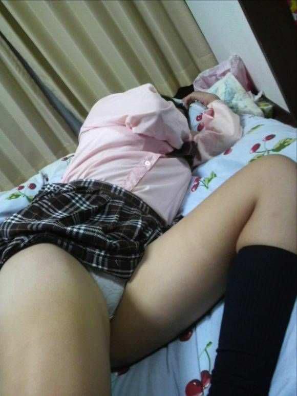 エロだらしない妹を家の中で隠し撮りw2