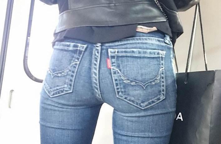 【素人エロ画像】正直シコい…履くだけで性的魅力がグングン上がっちゃうデニムのパツパツお尻www