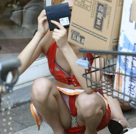 ラッキースケベの素人エロ画像