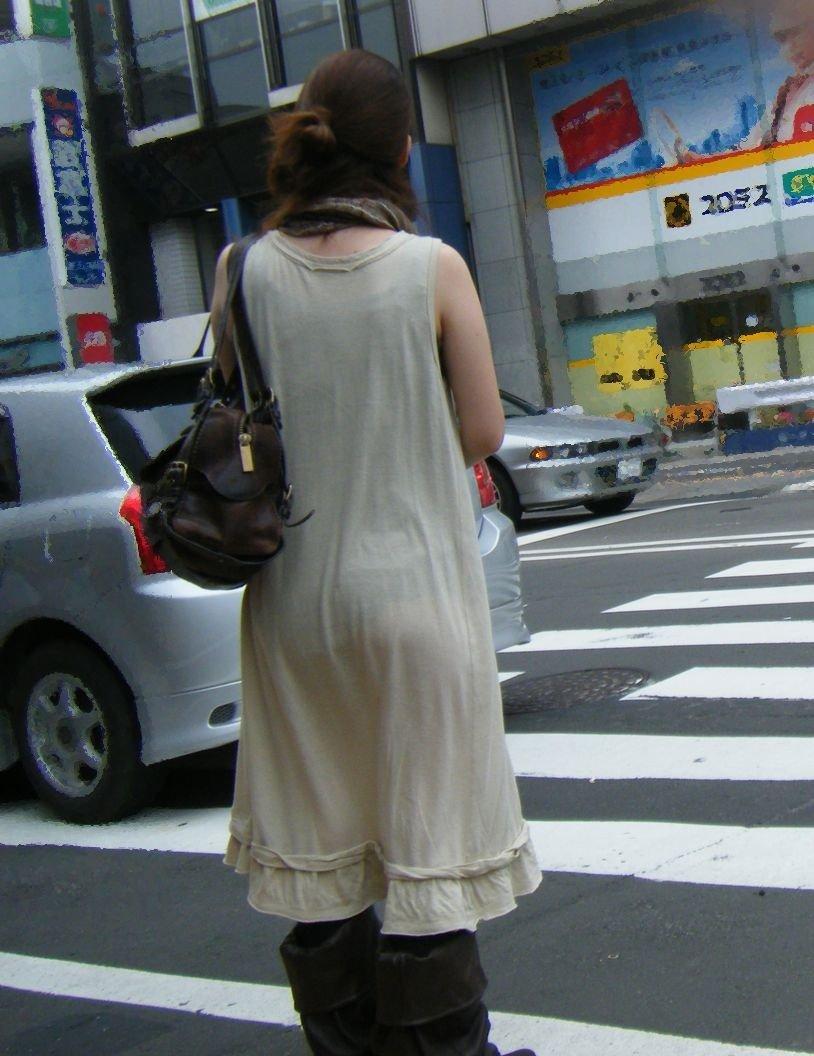 スケパン女子の街撮り素人エロ画像36