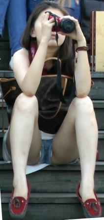 太ももとお尻でシコらせにくるショートパンツ女子街撮り画像-37