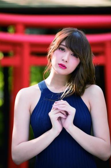 アンジェラ芽衣さんのセクシー画像-136