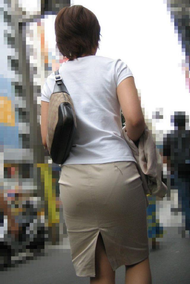 OLやお姉さんのタイトスカートお尻がエッチな素人エロ画像-173