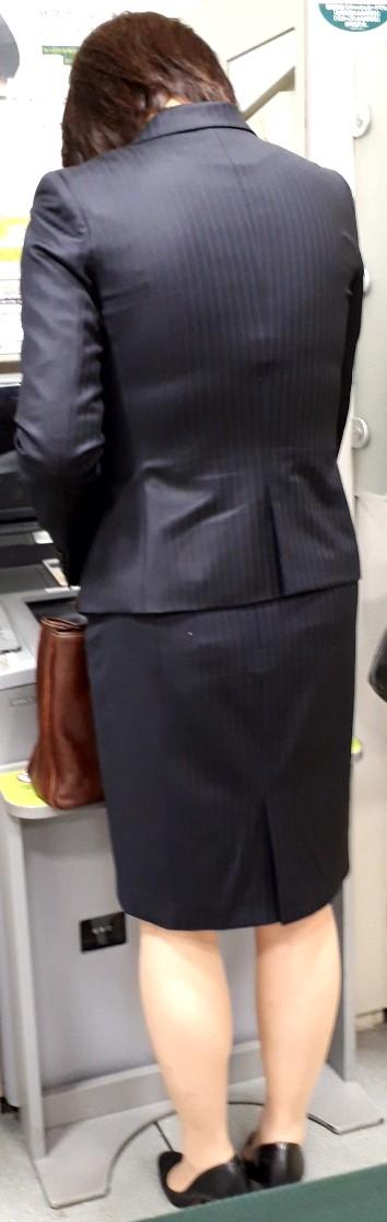スーツや制服姿の働くお姉さんの素人エロ画像-073