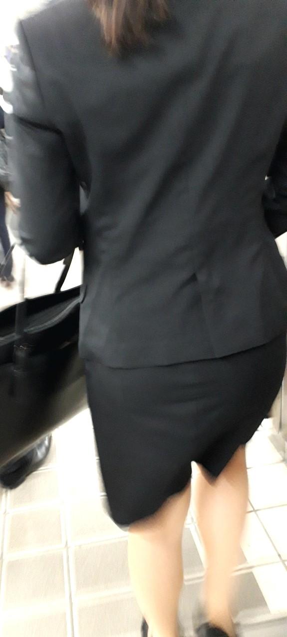 スーツや制服姿の働くお姉さんの素人エロ画像-076