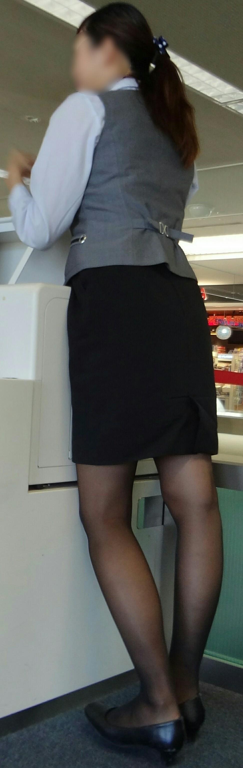 スーツや制服姿の働くお姉さんの素人エロ画像-048