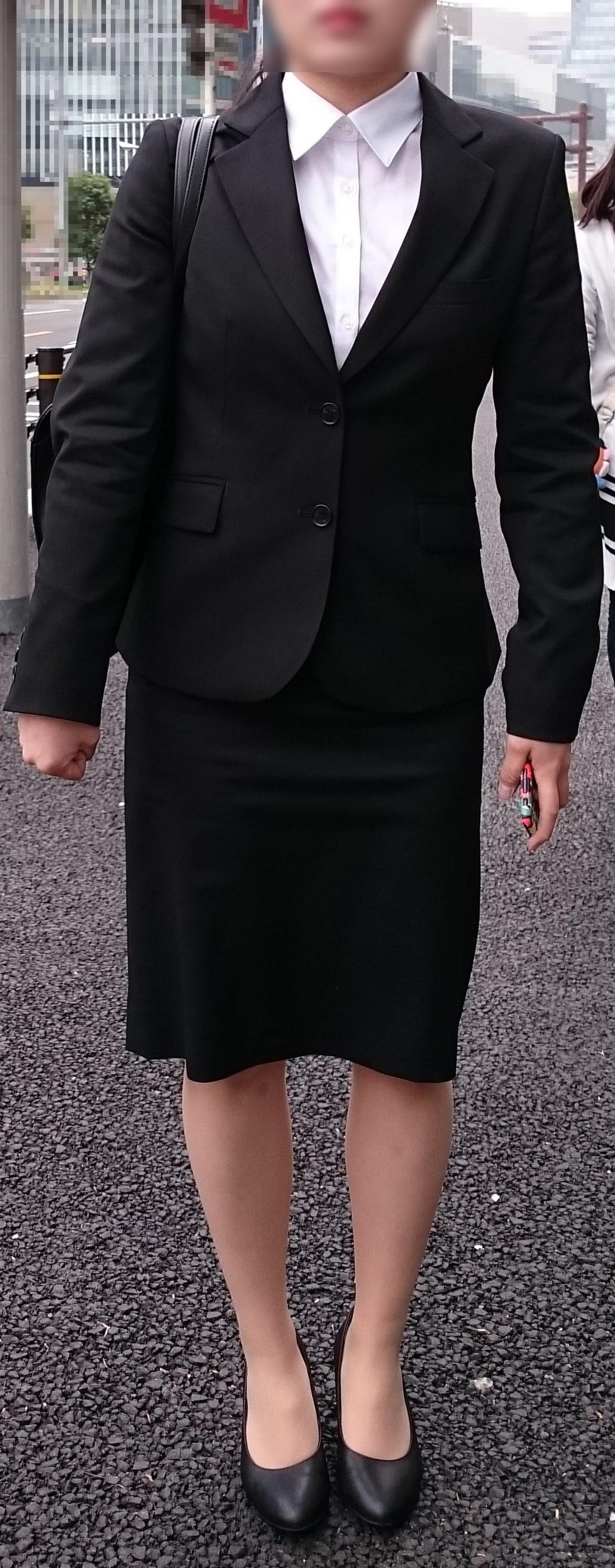 スーツや制服姿の働くお姉さんの素人エロ画像-014