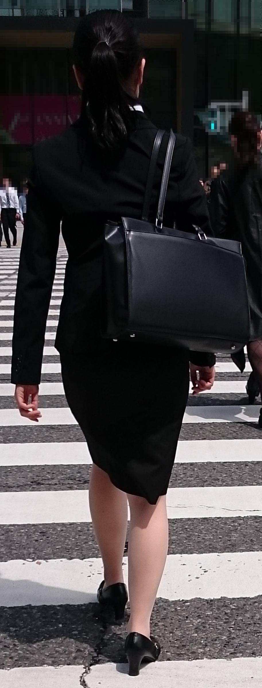 スーツや制服姿の働くお姉さんの素人エロ画像-020