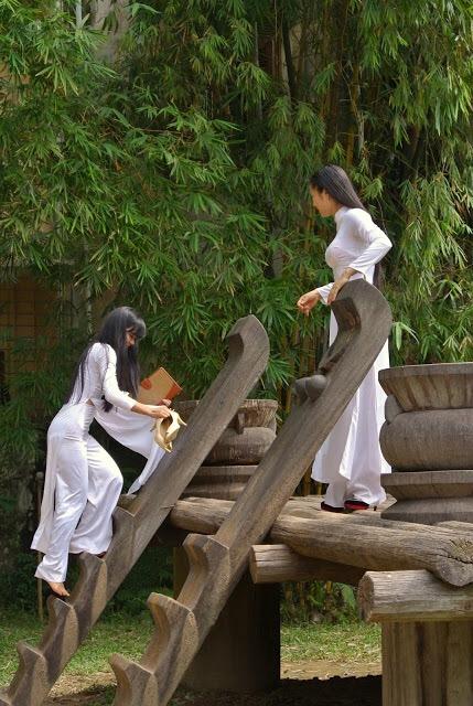 アオザイを着ているベトナム人女子高生の素人エロ画像-137
