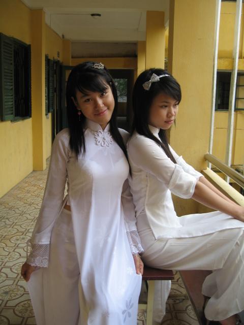 アオザイを着ているベトナム人女子高生の素人エロ画像-143