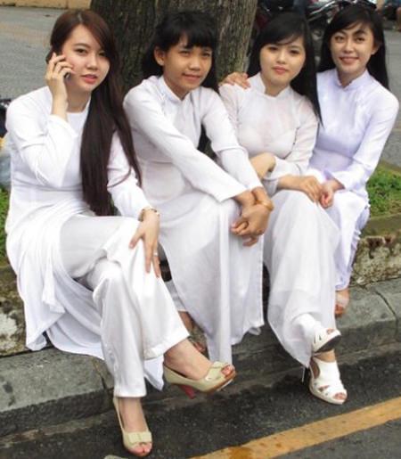 アオザイを着ているベトナム人女子高生の素人エロ画像-118