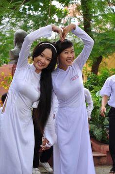 アオザイを着ているベトナム人女子高生の素人エロ画像-067