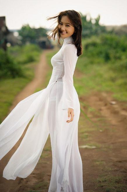 アオザイを着ているベトナム人女子高生の素人エロ画像-183
