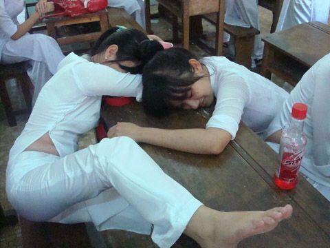 アオザイを着ているベトナム人女子高生の素人エロ画像-201