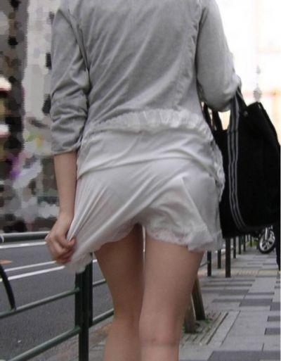 スカート女子の街撮り素人エロ画像-012