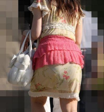 スカート女子の街撮り素人エロ画像-016