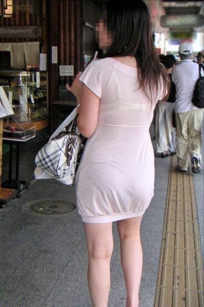 スカート女子の街撮り素人エロ画像-022