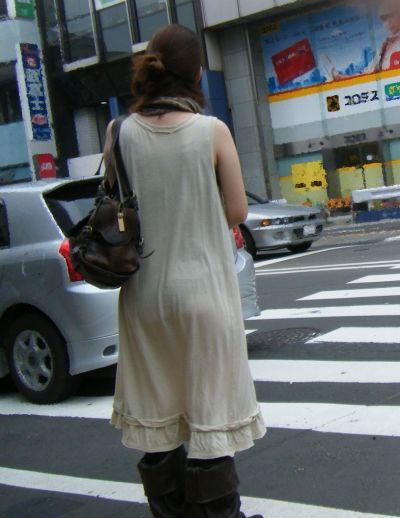 スカート女子の街撮り素人エロ画像-008