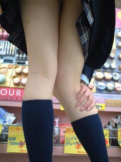 女子高生の太ももがエッチな素人エロ画像-015