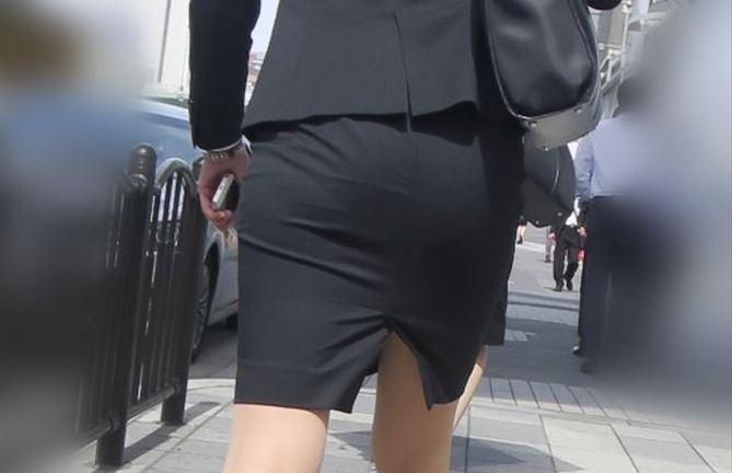 OLさんや就活女子のタイトスカートお尻を街撮りした素人エロ画像-001