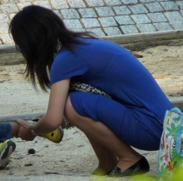 無防備なエッチさが満開すぎる子連れ若ママの素人エロ画像-021