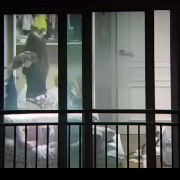 窓やカーテンをちゃんとシメない結果とられた民家盗撮-042
