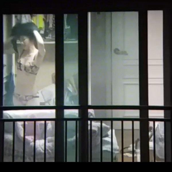 窓やカーテンをちゃんとシメない結果とられた民家盗撮-039