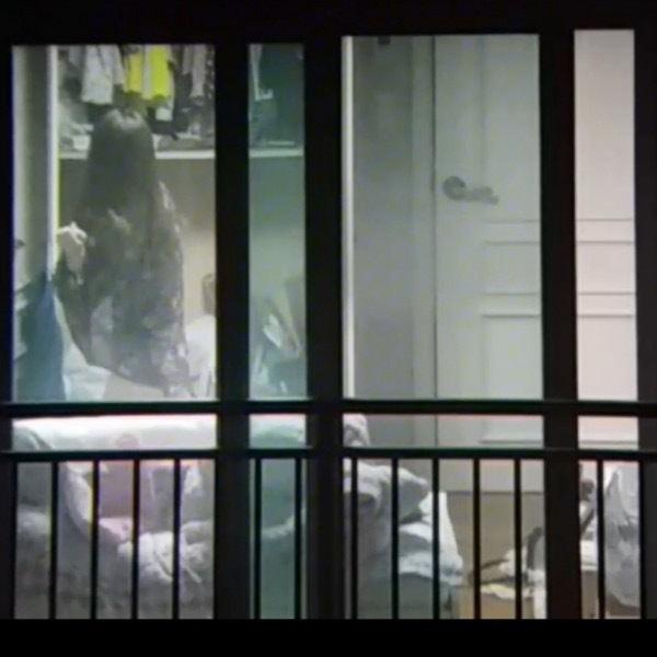 窓やカーテンをちゃんとシメない結果とられた民家盗撮-043