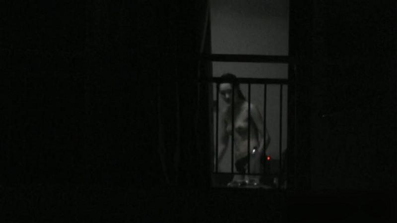 窓やカーテンをちゃんとシメない結果とられた民家盗撮-014